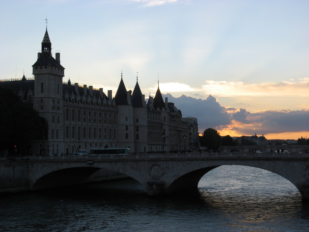 Pont Neuf bridge at sunset
