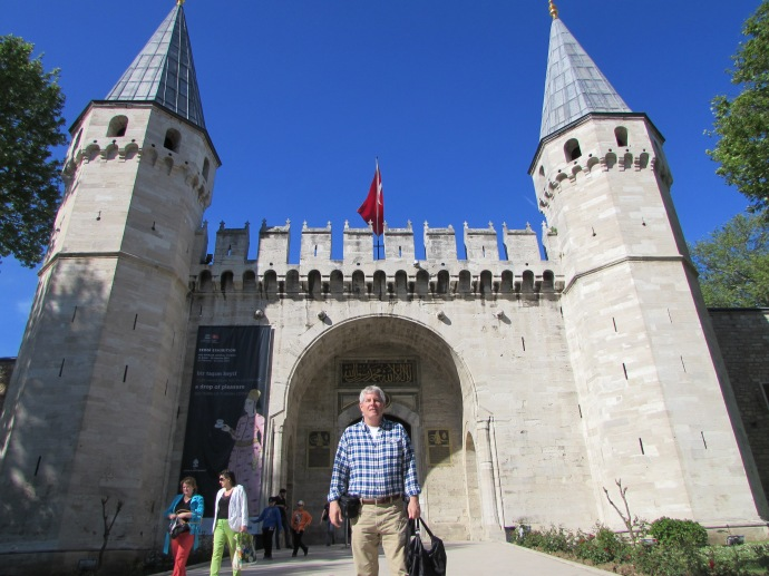 Me in front of the Topkapi Palace, a museum now housing treasure and religious relics