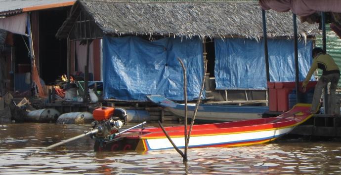 cam-dragonfly-motorboat