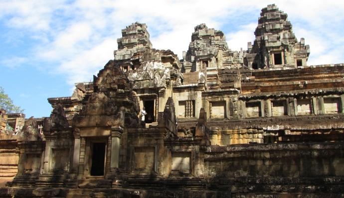 cam-temple-blue-sky