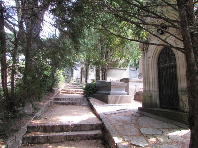 Paris Pere Lachaise cemetery (2)