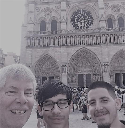 Paris us BW Selfie